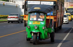 Banguecoque, Tailândia: Táxi de Tuk-tuk Imagem de Stock