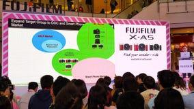 BANGUECOQUE, TAILÂNDIA - 20 DE FEVEREIRO DE 2018: Revele o evento de Fujifilm fotos de stock royalty free