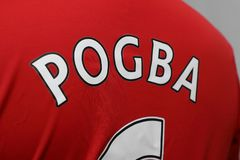 BANGUECOQUE, TAILÂNDIA - 13 DE JULHO: Nome de Paul Pogba no Un de Manchester Fotografia de Stock Royalty Free
