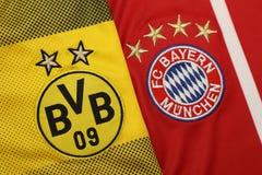 BANGUECOQUE, TAILÂNDIA - 13 DE JULHO: O logotipo do Borussia Dortmund e Foto de Stock Royalty Free