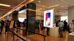 BANGUECOQUE, TAILÂNDIA - 25 DE NOVEMBRO DE 2017: o iPhone X está mostrando em está fotografia de stock