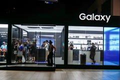 BANGUECOQUE, TAILÂNDIA - 25 DE OUTUBRO DE 2017: Estúdio da galáxia de Samsung com foto de stock royalty free