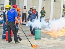 BANGUECOQUE, TAILÂNDIA - 31 DE OUTUBRO DE 2017: Prontidão dos povos para f Imagem de Stock