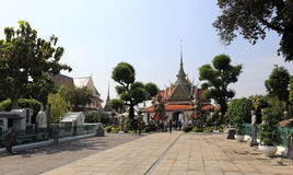 BANGUECOQUE, TAILÂNDIA - 15 de dezembro de 2014: Wat Arun (Temple of Dawn) Fotografia de Stock
