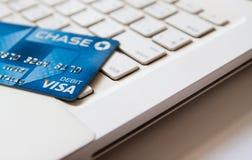 Banguecoque, TH - 27 de janeiro de 2017: Cartão de crédito de Chase Bank no Fotografia de Stock Royalty Free