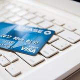 Banguecoque, TH - 27 de janeiro de 2017: Cartão de crédito de Chase Bank no Fotos de Stock Royalty Free