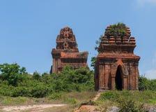 3 Banh оно башни Cham на холме. Стоковые Изображения RF