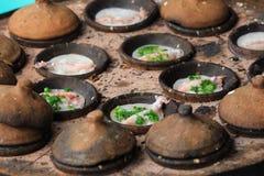 Banh kan - den Vietnam skaldjurpannkakan Royaltyfria Foton