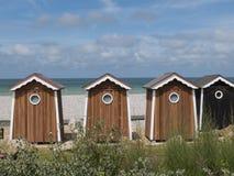 Banhando a cabana que negligencia o mar celta Imagem de Stock Royalty Free