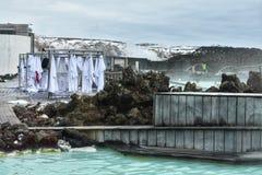 Banhando-se na lagoa azul, Islândia Imagem de Stock Royalty Free