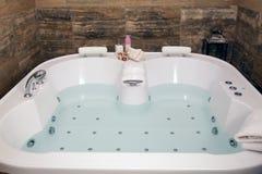 Banheira moderna Foto de Stock Royalty Free