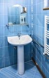 Banheiro azul fotografia de stock royalty free