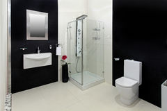 Banheiro branco preto Fotos de Stock