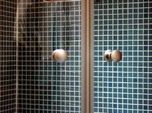 Banheiro com chuveiro Foto de Stock Royalty Free