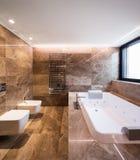 Banheiro de mármore luxuoso com hydromassage Foto de Stock Royalty Free