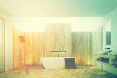 Banheiro de madeira interior, dissipador dobro tonificado Imagem de Stock Royalty Free