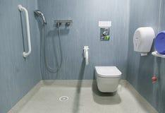 Banheiro deficiente Imagens de Stock