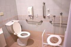 Banheiro do hospital imagem de stock