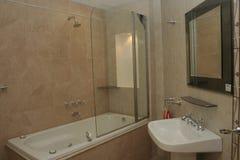 Banheiro do hotel imagens de stock