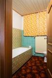 Banheiro feio imagens de stock