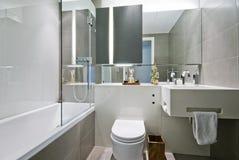 Banheiro luxuoso com decoração indiana foto de stock royalty free