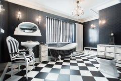 Banheiro moderno branco e preto Fotos de Stock