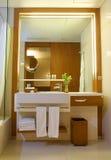 Banheiro moderno de Contemporay Fotografia de Stock Royalty Free