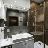 Banheiro no estilo escandinavo Foto de Stock