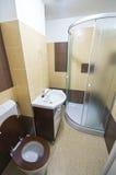 Banheiro pequeno Fotos de Stock Royalty Free