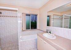 Banheiro simples fotografia de stock