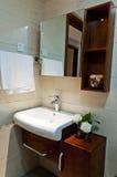 Banheiro vermelho Fotografia de Stock