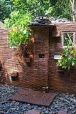 Banheiros com chuveiro na casa de hóspedes do santuário de Khao Sok, Tailândia Fotografia de Stock