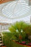 Banho de espuma da banheira de hidromassagem do Jacuzzi fora, conceito das férias de verão Fotos de Stock Royalty Free