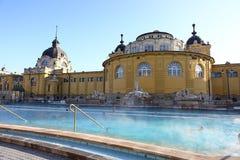 Banho de Szechenyi em Budapest, Hungria, o 7 de janeiro de 2016 Fotografia de Stock Royalty Free