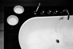 Banho moderno preto e branco Fotografia de Stock Royalty Free