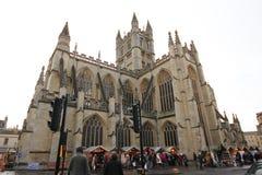 Banho, Reino Unido - 6 de dezembro de 2013: Opinião da rua com o Ab fotografia de stock
