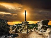 Banhos de Antonius em Carthage Tunísia Por do sol fotos de stock royalty free