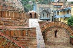 Banhos do enxofre de Abanotubani em Tbilisi, Geórgia imagem de stock