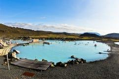 Banhos naturais de Jardbodin com mola geotérmica perto do lago Myvatn Fotos de Stock Royalty Free