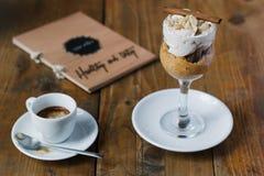 Bania, hazelnut kawa espresso i mousse i Obrazy Stock