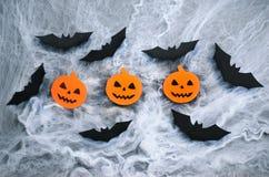 Bania nietoperze na pajęczyny tle i głowy, Halloweenowy symbol Obraz Stock