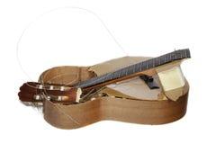 Banialuki gitara Łamająca w kawałki Zdjęcie Royalty Free