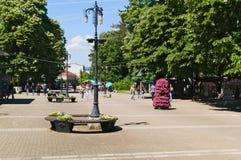 Banja Vrnjacka, Serbia-5 30 2017: Прогулка в центре города, главная улица стоковая фотография rf