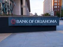 Bank av den Oklahoma högkvarteret på den i stadens centrum oklahoma city - OKLAHOMA CITY - OKLAHOMA - OKTOBER 18, 2017 arkivfoto