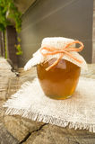 Bank av honung Arkivbild