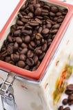 Bank av kaffebönor Fotografering för Bildbyråer