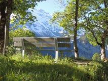 Bank in den Alpen Lizenzfreie Stockbilder