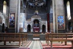 Bank in der armenischen Kirche Lizenzfreie Stockfotos