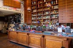 Bank der Conwy-Kneipen-Bar Irland stockfotos