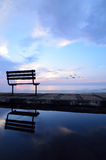 Bank dichtbij het strand Stock Fotografie